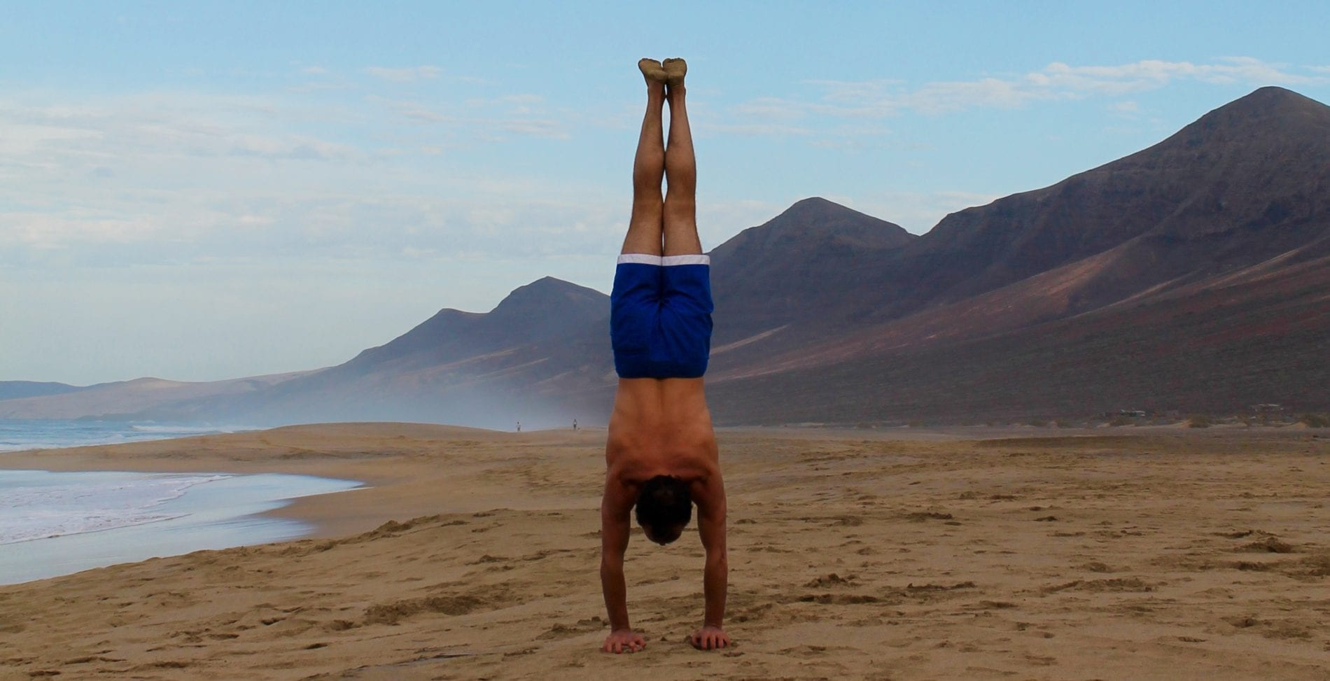 Handstand lernen im Maitri Yoga Studio mit Andreas Jakubik