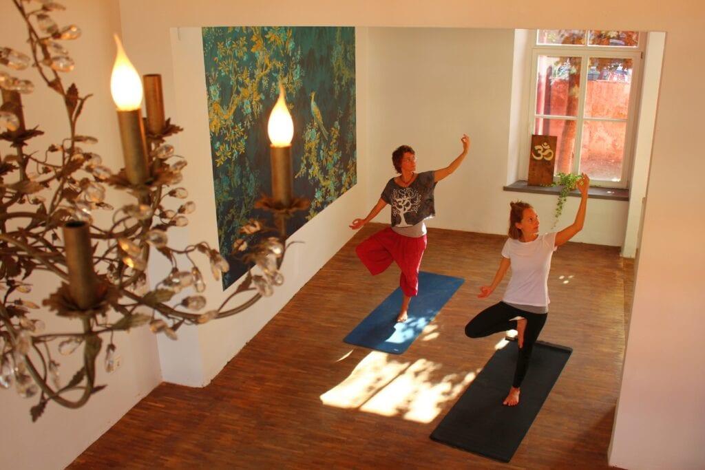 Neueröffnung im Kreuzviertel am WE 12. & 13. September mit kostenlosen Yogastunden für alle Level